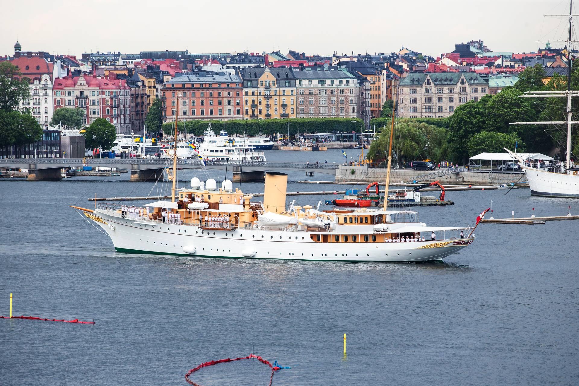 The Danish royal ship had engine problems
